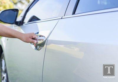 как разморозить замок двери автомобиля