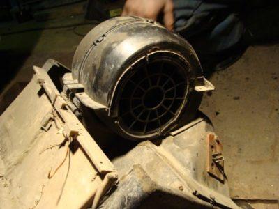 как поменять моторчик печки на ваз 2114