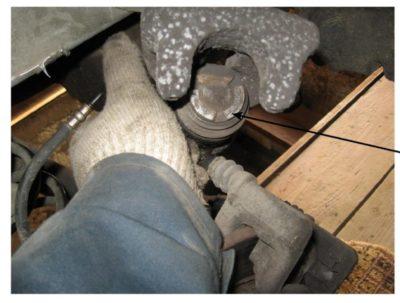 как поменять колодки на рено логан