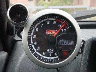 что такое спидометр в автомобиле