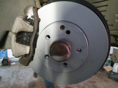 замена тормозных колодок форд фокус