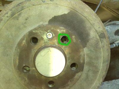 шкода октавия а5 замена задних тормозных колодок