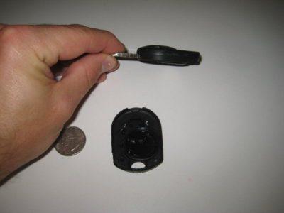 как заменить батарейку в ключе форд
