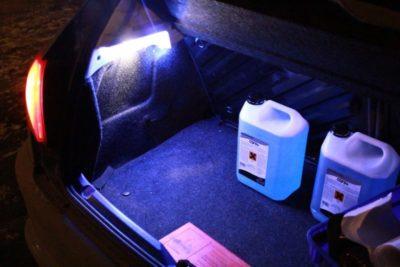 как сделать подсветку ног в машине