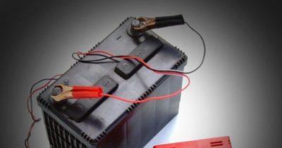 как зарядить аккумулятор автомобиля без зарядного