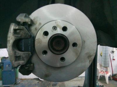 замена передних колодок фольксваген поло седан