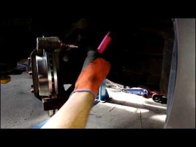 замена тормозных колодок мазда