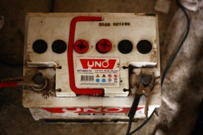 сколько нужно заряжать аккумулятор автомобиля 60 ампер