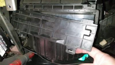 замена салонного фильтра рено логан фаза 2