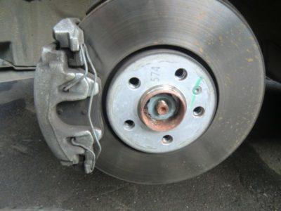 замена задних тормозных колодок на ниссан альмера классик